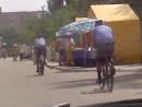 менты на велосипедах.... В стране проблеммы с горючим)