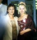 Я с мамочкой на том же выпускном (СШ № 10 г. Никополь)
