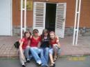 я, Танька, Викуська и Тайка возле лицея