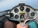 Кабина планера во время полета. Скорость - 100км/ч, высота - 1,5км