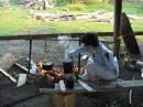 варю завтрак на базе перед походом)