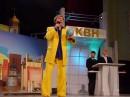 Я на фоне КВН звёзд (мишы Галустяна и Женички) 23.03.04г. 1/4 финала