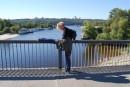 бросаюсь с моста...