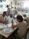 Вот так в Турции разрисовывают тарелочки разные и другую керамику))