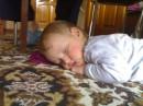 пака все кушают,малой спит под столом))