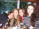 с девочками из той же группы)))))
