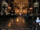 ну а под конец нашей прогулки по Будапешту решили мы зайти в Базилику святого Иштвана! как раз на венчание успели! ;) ... %) ... хороший знак на дорожку ;)