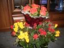 Роза исполнена высокомерия. Нет в ней сочувствия, нет сострадания. Белая роза- это доверие. Красная роза- это желание.