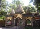 Ашрам, который построили Битлз. Ашрам не действующий. По веским причинам правительство Индии закрыло его для паломников и для садху