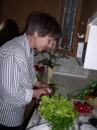 Это тоже Айва, в роли кухонного мужика
