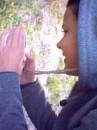 Это моя Сестрица снимает Гусеницу, Я в этот момент снял её со стороны