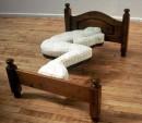 удобная кровать кстати...надо будет купитььь)))