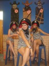 ля ля ля добрые пиратки))))