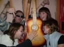 Вот что с людьми делает любовь к музыке!
