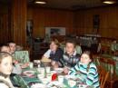 да в лагерях не кормят,и выражение лица Гната за ето говорит))))))))