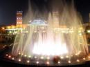 Харьков. Железнодорожный вокзал и площадь с танцующими фонтанами.