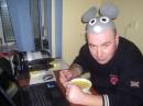Большая Крыса обедает :) Это Генератор идей  Петруччо.