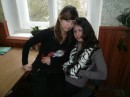 это я с подругой в школе))