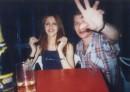в летнем кафе с Радмилой и друзьями за кадром