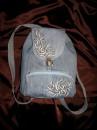 рюкзак,сшитый из одной пары джинс и расписанный красками по ткани