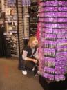 наська полюбляє  такі магазини де багато кульчиків
