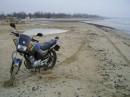 мотоцикл на фоне зимнего моря