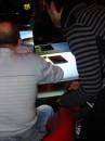 Так селебрити и выигрывали ноутбуки и коммуникаторы НР - тело в полосатом держит геймпад и рулит машиной, дядя в белом делает вид что он супер гонщик.. Гон короче =)