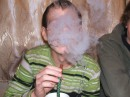 юрка курить кальян в мене в дома