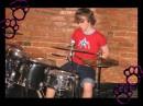 Я Басист вообще но 2 песни играю на ударке !