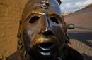 Я в чийомто шлеме......))Земете,я сказал в шлеме....)