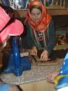 а то маленька єгиптяночка розказує про виробництво папірусу
