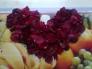 цветочное серце(из лепестков роз)