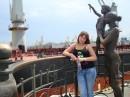 Памятник морякам и их семьям....