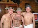 Буденовец, Робин Гуд и казах какой-то собрались в баню...