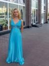 Девушку украшают две вещи: скромность и маленькое прозрачное платье... Мне не хватает второго.