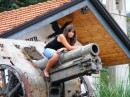 На пушке...