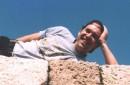 ...а довольный !!! ...сума сойти !!! ...залез и улегся на солнышке !!! ...а что еще надо для счастья в КОТовой жизни ??? !!! :)))) Херсонез, Крым (2 мая 2005г.)