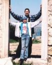 ...наш любимый дверной проемчик !!! :)))) (кому не ясно, смотреть фото прошлых лет) Херсонез, Крым (2 мая 2005г.)