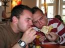 Объект - пицца, диаметр - метр, кол-во - 2 шт. Субъекты - 3 шт. (голодные). Результат?..