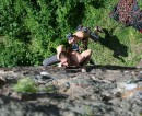 Лезу по скале =)