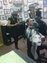 Подготовка к отрезанию волос.