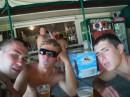 Пьем пиво на пляже