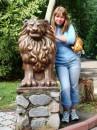 Я с львом в том же зоопарке в тот же день.-)