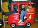 дуреем в детской игрушке в торговом центре МАГИЛАН