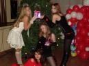 В Новогодней сказке я играла себя))Надеюсь, рожки мне идут) я посередине с подарком в руке)