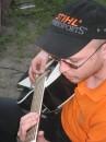 а мой любимый играет на гитаре