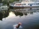 Это момент истины, вход в воду...