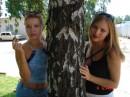 две подружки под березкой....:)))