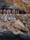 на этой фотке я собираюсь сделать один из самих отчаяных поступков в своей жизни-сигануть с 14и метровой отвесной скалы в бурлящую воду у подножья пещеры!глупо, скажите вы, нет, захватывающе!