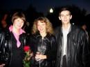 9-мая 2005 года, Воронеж. Я справа, моя бывшая девушка в центре, ее подруга слева.